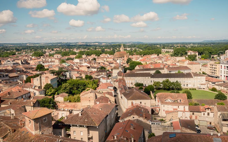 Terrace view over the city of Agen