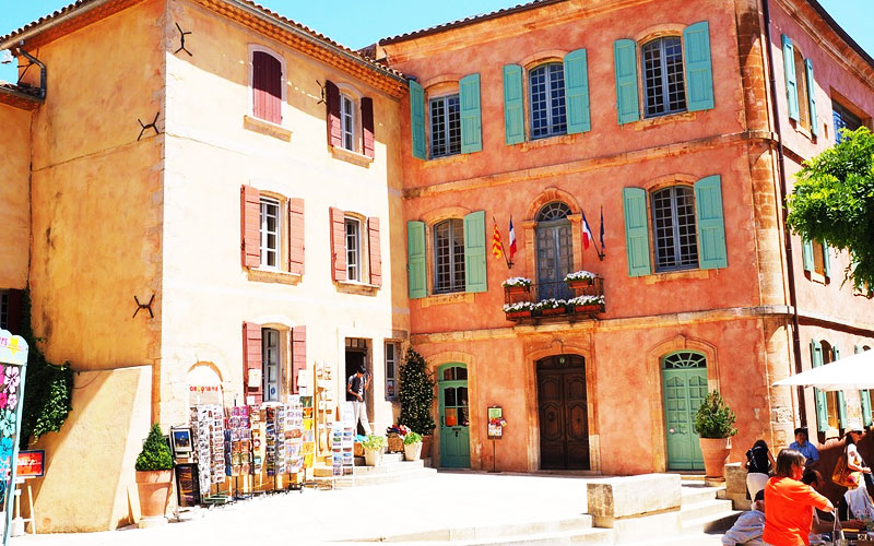 Transient House in Roussillon and the Colorado